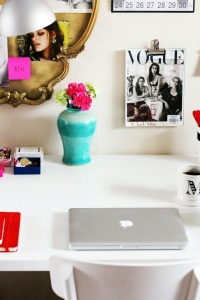 Cute_Desk_Space_Home_Office_TheElginAvenue